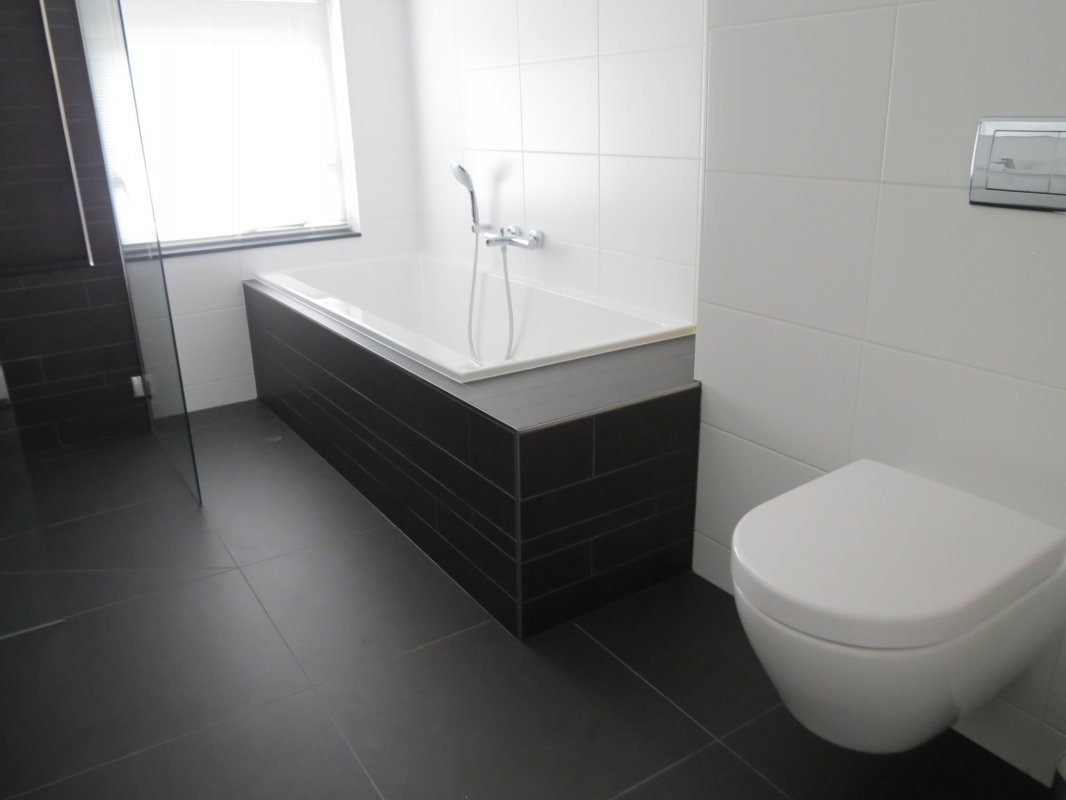 Badkamer en toilet renovatie haren tib totaal installateurs haren - Opnieuw zijn toilet ...