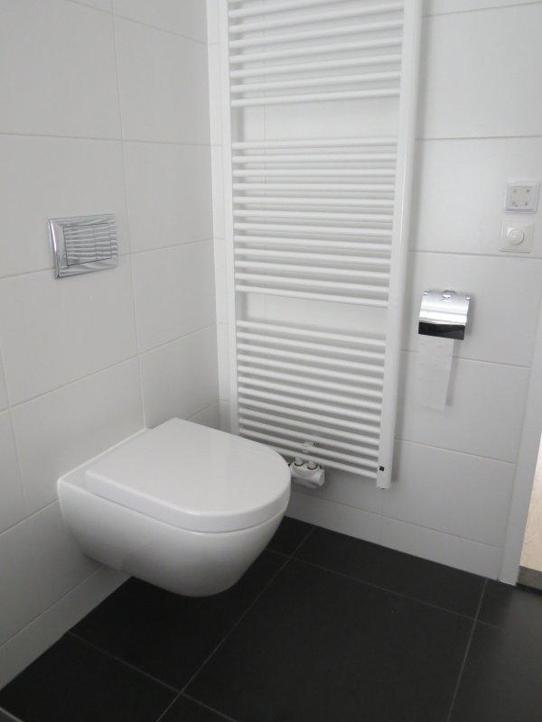 Badkamer en toilet renovatie Haren   TIB totaal-installateurs Haren